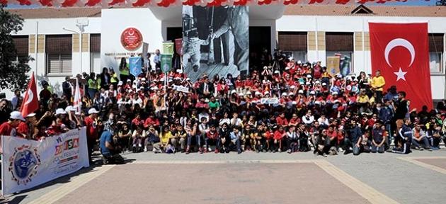 500 öğrenci Meclis'te buluştu