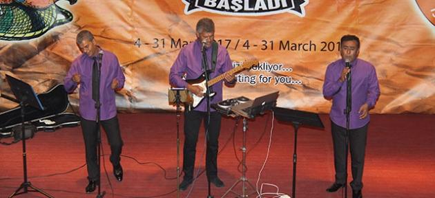 """Grup İskele Babutsa"" konser verdi"