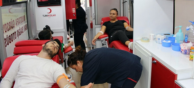 LAÜ'de Kan Bağışı Kampanyası