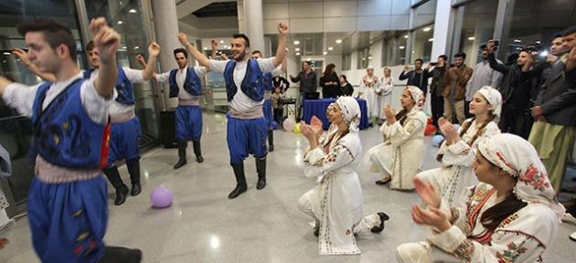 LAÜ'nün öğrencilerine Kıbrıs kültürü tanıtıldı