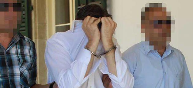 Momen Silik'in yurtdışına çıkışı yasak