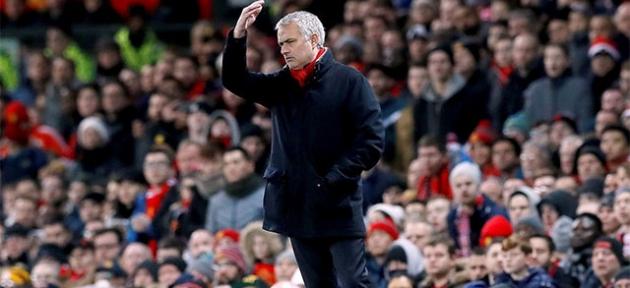 Mourinho imzayı atıyor