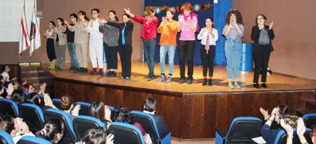 Öğrenciler alkış aldı