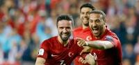 """Türkiye'nin """"Cenk""""averi: 2-0"""