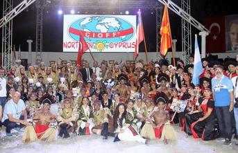 Diyalog TV'den naklen yayınlanan İskele'deki Uluslararası Halk Dansları Festivali renkli görüntülere ev sahipliği yaptı