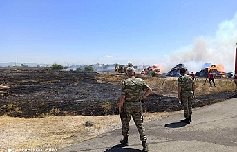 Gaziköy'de bin 500 rulo balya yandı