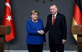 'Yunanistan teşvik edilmeli'
