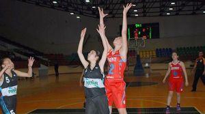 Bayanlarda ilk finalist Levent Spor