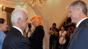 Cumhurbaşkanı Eroğlu, halkın tebriklerini kabul etti