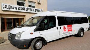 Engellilere minibüs bağışı