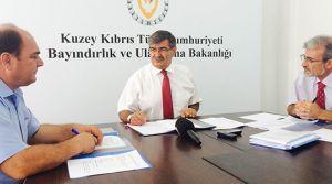 Lefkoşa - Güzelyurt anayolundaki 4 kavşağın aydınlatılması imzalar atıldı