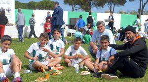 Piknik havasında  futbol etkinliği