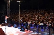 Yıldız Tilbe'den olay konser