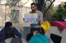 Ozan Özgenler, çocuklara balık ve deniz konseptiyle betimlemeler yaptı