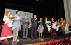 Akıncı çifti, Cumhurbaşkanlığı Senfoni Orkestrası'nın sahnelediği Aşk İksiri operasını izledi