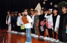 Doğu Akdeniz Doğa İlkokulu birinci sınıf öğrencileri okuma yazma öğrenmenin heyecanını yaşadı