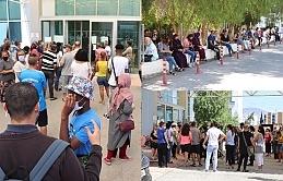 Devlet Hastanesi Ayaktan Tanı ve Tedavi Merkezinde aşı yaptırmaya giden vatandaşlar uzun süre beklemek zorunda kalıyor