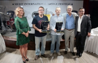 3'üncü Merit Briç Turnuvası ödül töreni Maxim...
