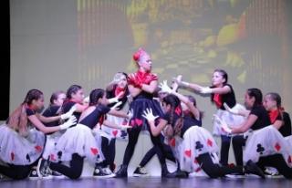 GAÜ Stage School'un, her yıl geleneksel olarak...