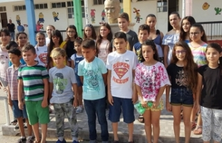 Mehmetçik İlkokulu öğrencileri karnelerini aldı