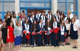TED Ortaokulunda mezuniyet coşkusu yaşandı