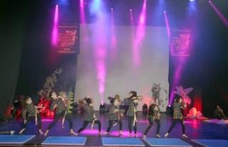 Nicosia Dance House'un öğrencileri muhteşem şovlara...