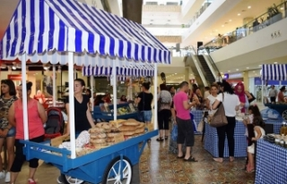 City Mall AVM'nin Salı Pazarı'na yoğun ilgi