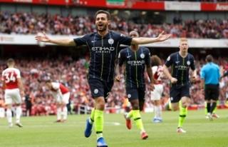 Manchester City 3 puanla başladı