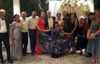 Çilem Esenyel ile Erdinç Özteknik'in düğününde...