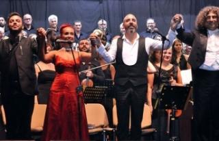 Mağusa Festivali'nde 'Carmina Burana' büyüledi