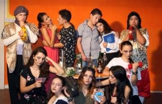 Kıbrıs Türk Komedi Tiyatrosu perdelerini açıyor