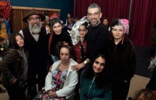 Hakan Akkaya, engelli çocuklar için defile düzenledi