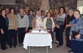Alsancak Belediyesi yaşlıların gönlü şenlendirdi