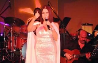 Nilüfer'den muhteşem konser