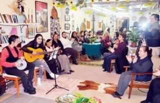 Mağusa'daki Kadınlar Kahvehanesi, ülkenin en...
