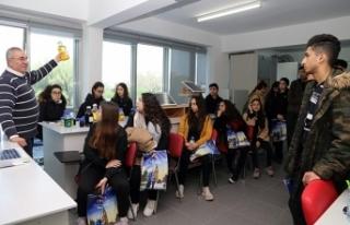 Doğa Koleji Öğrencileri, Girne Amerikan Üniversitesi'ni...