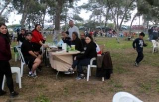 Piknik alanları doldu taştı