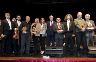 Cumhurbaşkanlığı Senfoni Orkestrası Sıla 4 Grubu...