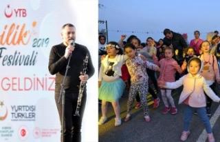 İyilik Festivali kapsamında sahne alan klarnet sanatçısı...