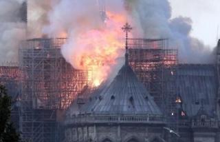 Kule ve çatı çöktü