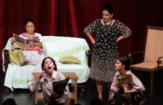 """'Tiyatro Su' tarafından sahnelenen """"Yıldız..."""