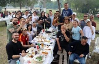 1 Mayıs'ı Bedis Piknik Alanı'nda kutlayan...
