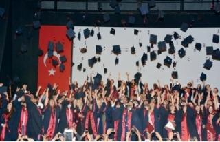 YDÜ Fen-Edebiyat Bahar Dönemi mezuniyet töreni...