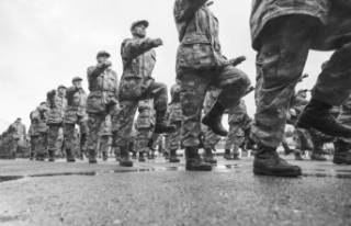 176 emekli askerin rütbesi alındı