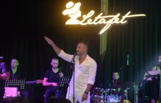 Merit Park Letafet Lounge sahnesinde Korhan Saygıner,...