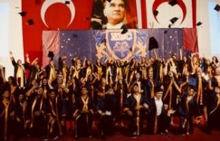 Necat British College'de 7'nci mezuniyet yılı...