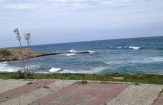 Akdeniz'e kurşun yağdırdı