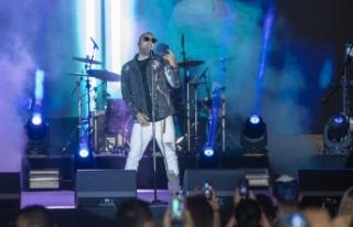 İran asıllı ünlü şarkıcı Arash, verdiği konser...