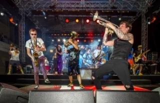 Rusların ünlü Rock Grubu Merit Royal'de sahne...