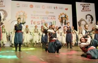 Uluslararası Lefkoşa Halk Dansları Festivalinde...